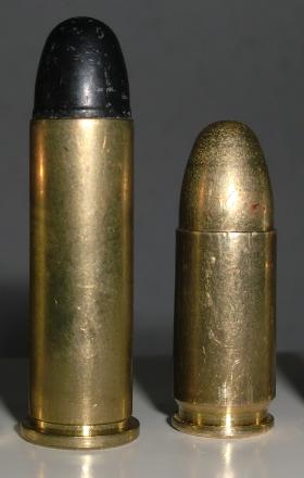 con reborde 38 SPL y una con ranura 9mm PB