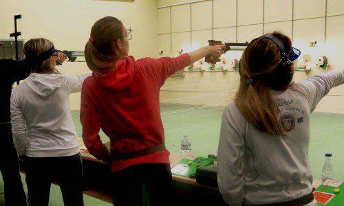Juvenil pistola Beatriz Jimenez