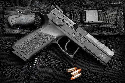 Pistola CZ P-09.