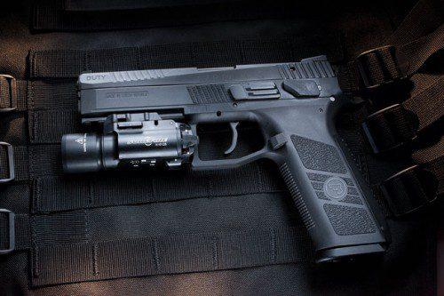 Pistola CZ 09 con laser
