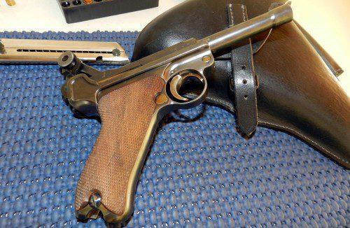 En este singular evento participaron ejemplos muy destacados de pistolas entre las que no podían faltar las Mauser, Luger, Colt, Astra, Lahti o Campogiro.