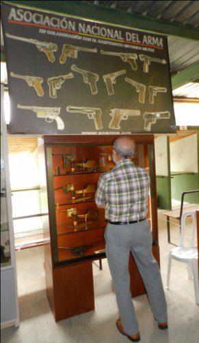 Ya quisieran tener muchos museos en sus vitrinas armas de estas características.