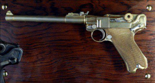 Luger artillera chapada en oro