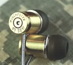 Auriculares con un casquillo de calibre .40.