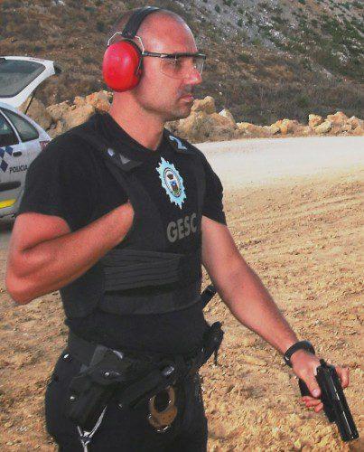 Cómo entrenar a un policía y no morir en el intento