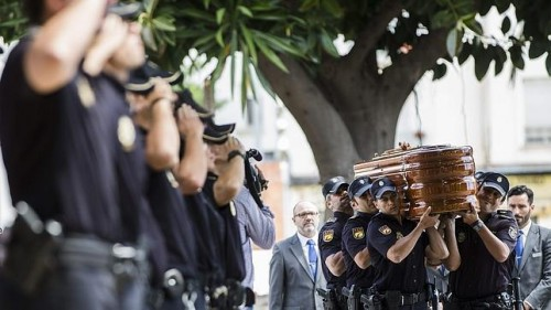 policía victima agresión