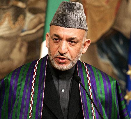 No parece que valga la pena tener en cuenta los comentarios del presidente Karzai, culpando de estos ataques a los servicios secretos de algún país que no identifica. Se trata de un ejemplo más de las teorías conspirativas tan presentes en la zona.