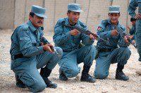 Soldados del ANA siendo entrenados por tropas de la ISAF