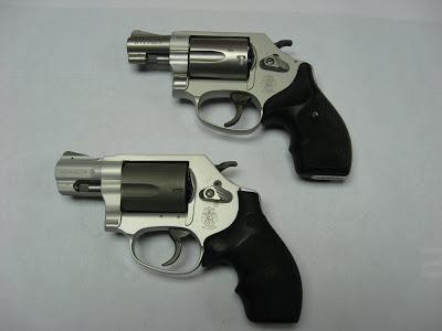 revolver titanio