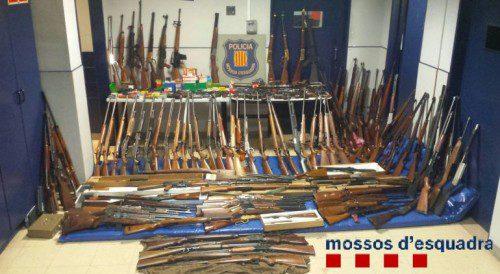 Una viuda con 174 armas de fuego en casa (2)