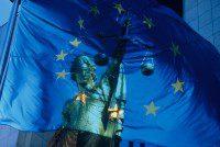 Bruselas quiere prohibir la venta de armas de fuego a través de internet
