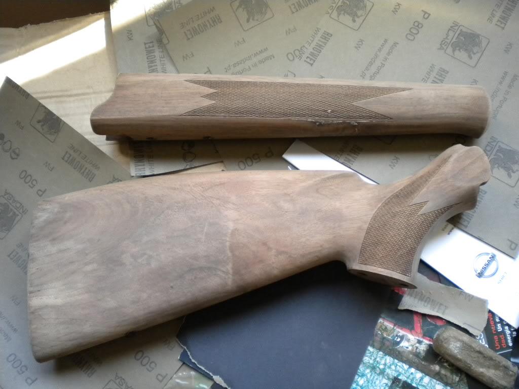 Como Restaurar Las Maderas De Tu Rifle Decapado Y Lijado Stock  ~ Reparar Arañazos Madera Barnizada