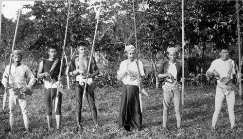 Guerreros Tausug de la isla de Jolo año 1901