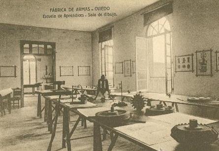 Escuela de Aprendices fabrica armas Oviedo