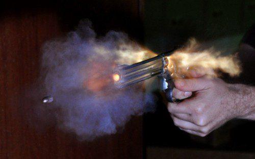 disparo revólver 357 Magnum