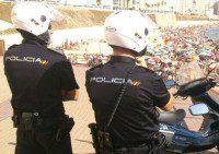 Agentes de la policia nacional en benidor