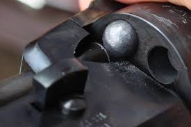 introducir bala esferica revolver avancarga