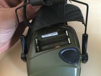 Alojamiento pilas cascos electrónicos  Howard Leight