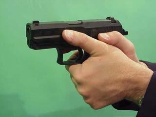 empuñamiento causa interrupción pistola