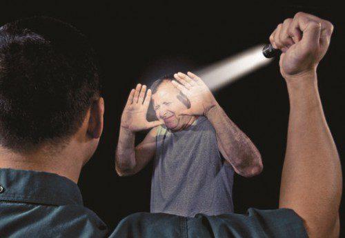deslumbramiento intruso linterna táctica