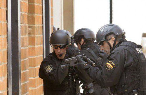 adiestramiento geos policia