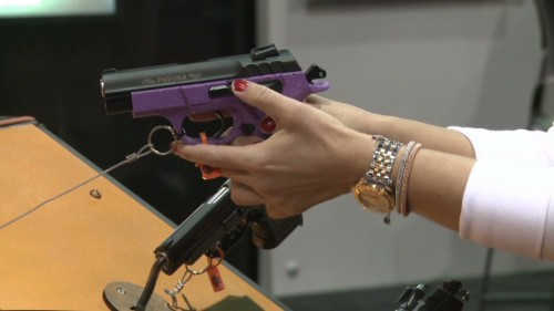 elección pistola para mujer