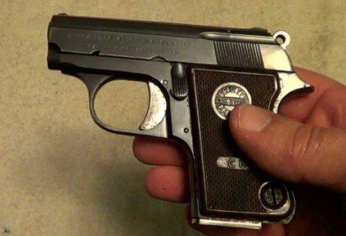 pistola astra .22 policía disparos