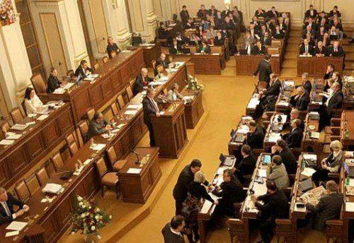 Vía libre del Parlamento Checo para que sus ciudadanos puedan defenderse con armas de fuego.