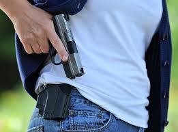 desenfunde pistola oculta