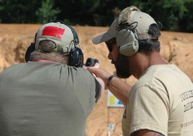 entrenamiento campo de tiro armas pistola
