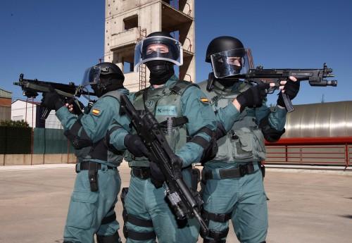 """Una """"broma"""" deja trece heridos en el Centro de Adiestramientos Especiales"""