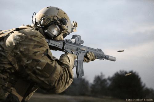HK 433 disparando a ráfagas