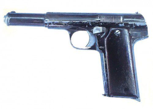 copia de la pistola astra sin seguro de empuñadura