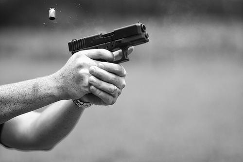 disparo pistola glock