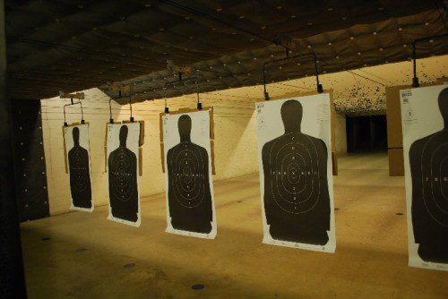 galería de tiro siluetas policiales
