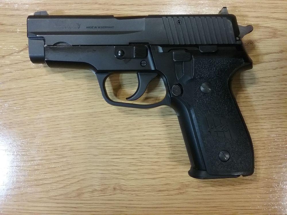 SIG Sauer P228 9mmP