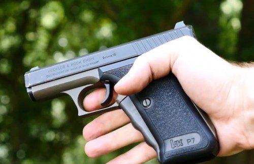 seguro de empuñadura de la pistola HK-P7